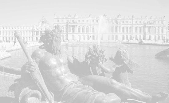 Statue intérieur bassin d'eau jardin du chateau de Versailles